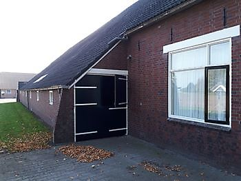 Staldeuren geverfd in authentieke kleur Schildersbedrijf Klein Vlagtwedde